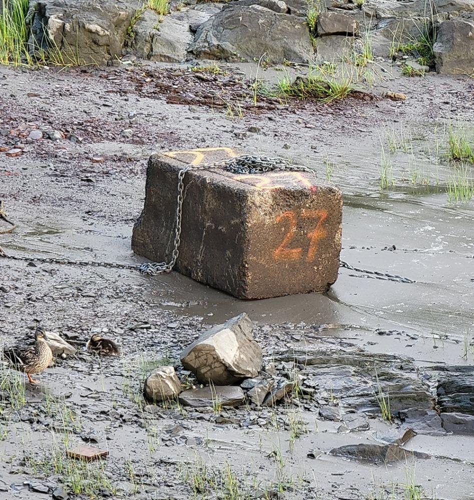 Gros bloc de béton
